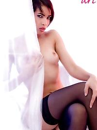 Jasmine Arabia, 20 yo, oriental beauty: solo in studio..