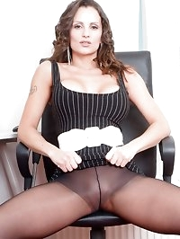 Valentina Cruz - Pantyhose business!