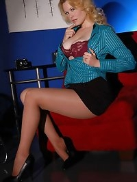 Blonde feeling lusty in nylons
