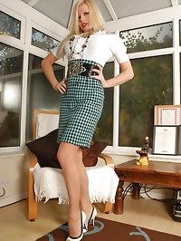 Michelle Thorne - Nyloned slut in sheer panties *TEASE..