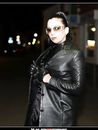 Leathered queen