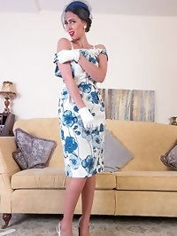 Tammie loves dressing up and adores her vintage and retro..