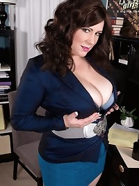The Hot Businesswoman