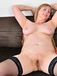 UK housewife April wants to show you that mature women..