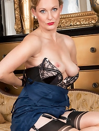 Luscious milf Mrs. Huntington Smythe is ready to show you..