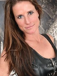 Sexy Sofie Marie gets kinky