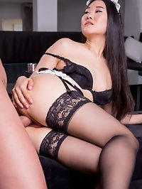 Asian beauty Katana gives a deep throat and gets a facial
