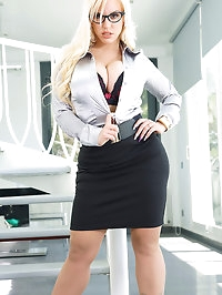 Busty Office Sexperience