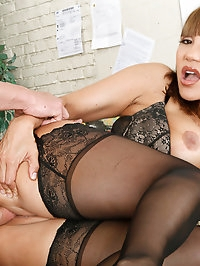 Miss Devine kills some time before class by seducing her..