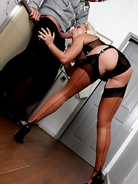 Lana gives her house guest a real treat with her mouth