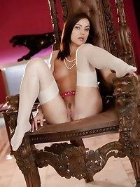 Stunning brunette Alyssa flaunts her assets