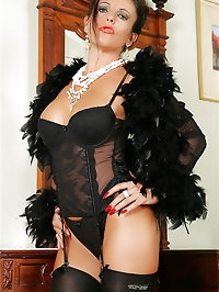 Sultry mama looks amazing in black