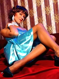 Leggy beauty Lily in thin vintage stockings and high heels