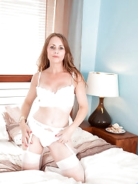 Sexy Anilos Sofia Rae finger fucks her pussy until she has..