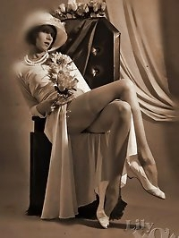 Hot retro-styled stockings pictures