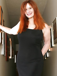 Redheaded MILF Breeze from AllOver30 showing off her..