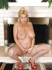Busty and elegant 47 year old Tahnee Taylor pising by the..