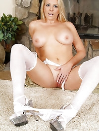 Classy mature mom strips off her tight sheer pantyhose to..