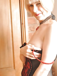 Stunning mature lady hazel shows off her sexy curves and..