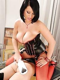 Kinky lesbians' bondage & spanking