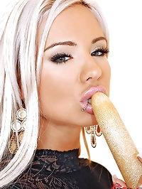Beautiful Ashley masturbating