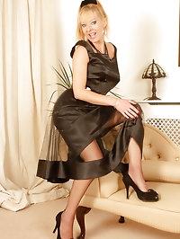Michelle Manzer - Chaise longue lovin'!