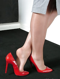 Michelle is silky and sexy with her gorgeous stiletto..