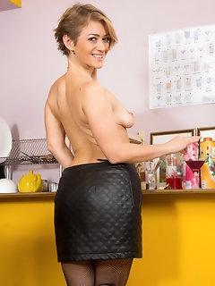 Miniskirt Pics